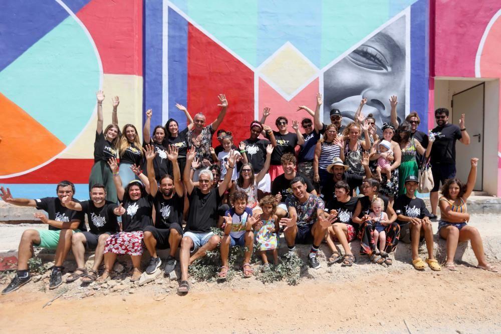 Mural gigante creado entre artistas urbanos y discapacitados en Ibiza