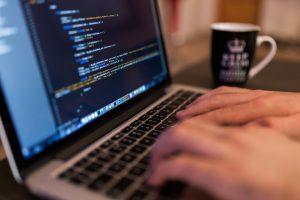 En qué consiste la profesión de Perito informático