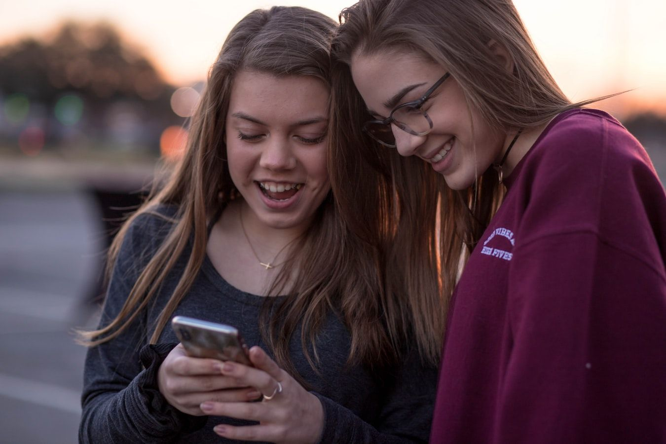 Convivir con un adolescente explica los motivos por los que los padres se sienten a veces perdidos