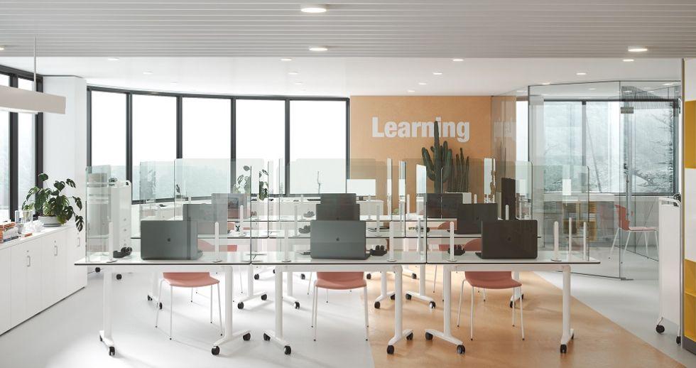 Las escuelas de negocio remodelan sus instalaciones ante su inminente apertura