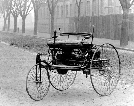primer automóvil de la historia