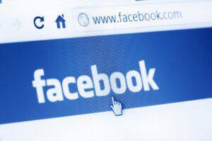 Peligros de usar Facebook